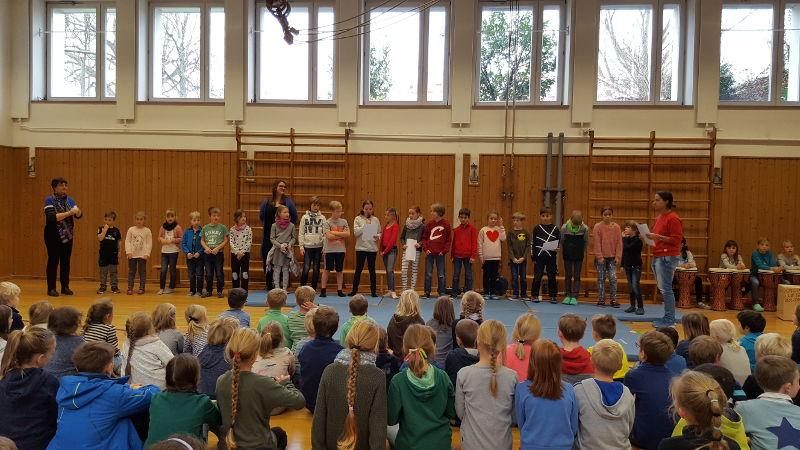 Schulversammlung2A-m