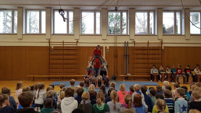 Schulversammlung2C-m